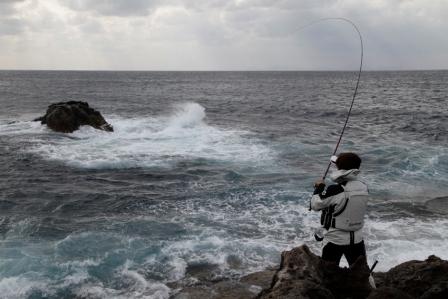 フカセ釣りで風が強い時の対処法!初心者さんは必読です!